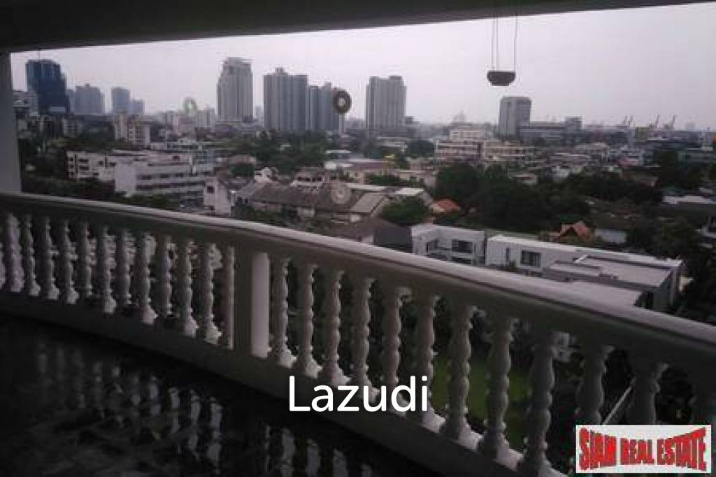 38 Mansion | Fully Renovated large 2 bed near Thonglor BTS.