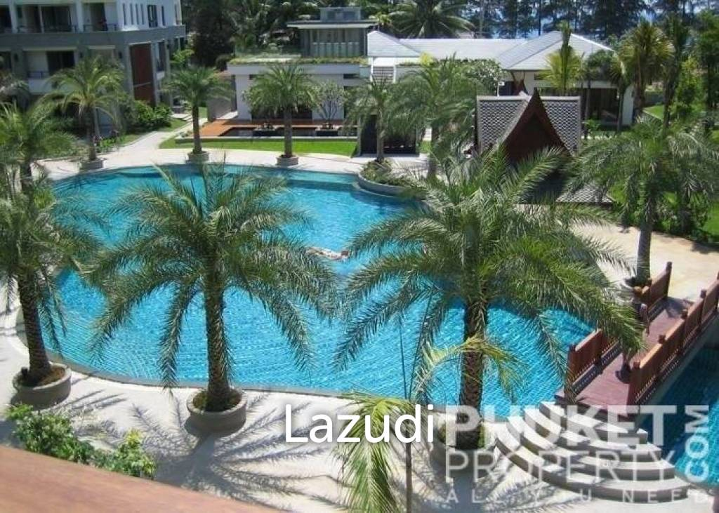 Naithon; 3 Bed Penthouse by Beach