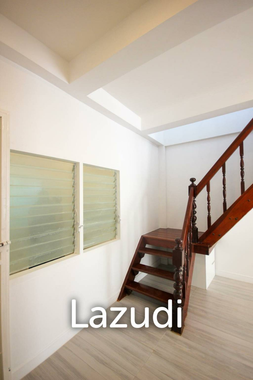Newly Renovated 2 Bedroom Townhouse By Makro Cha Am
