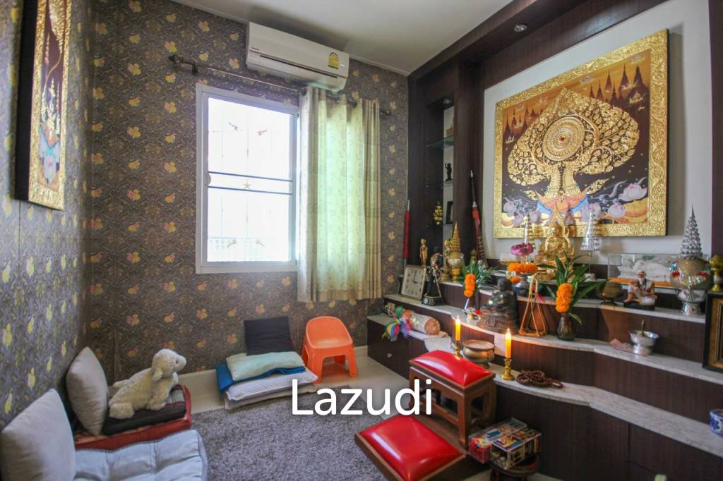 Centrally Located 3 Bedroom Townhouse For Sale - Hua Hin Soi 88