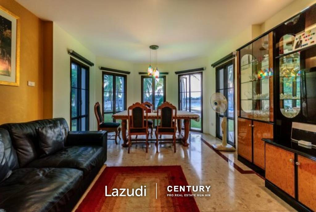PALM HILLS HOMES : Grand Luxury 2 Storey 4 Bed Pool Villa on Golf Course