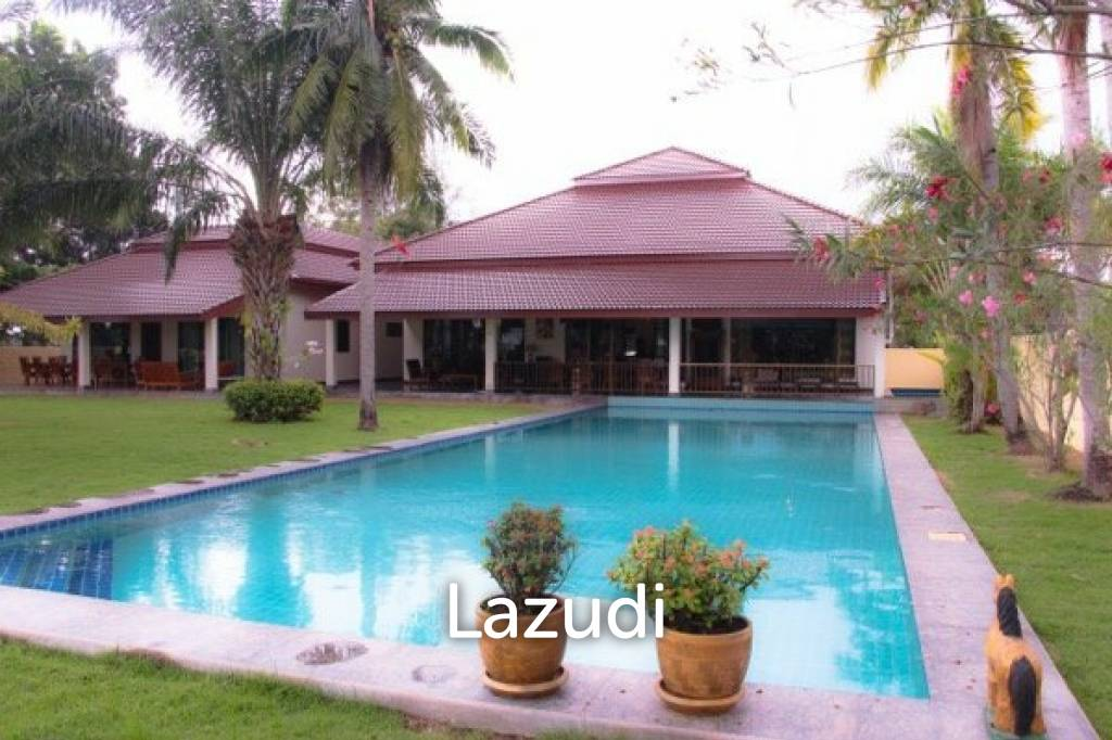 PALM HILLS HOMES : Great Luxury 4 Bed Pool Villa plus maids quarters