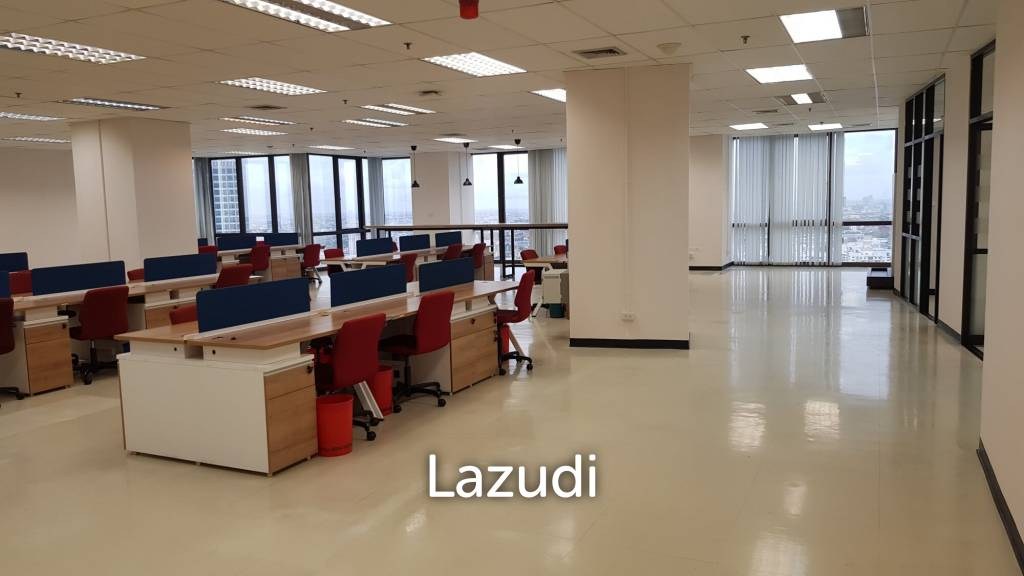 Office space for rent at RS Tower , F.32 , size 654.80 sqm. Included Furnitures ,