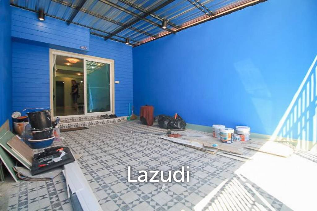 Renoveted 2/3 Bedroom Townhouse For Sale - East Pattaya