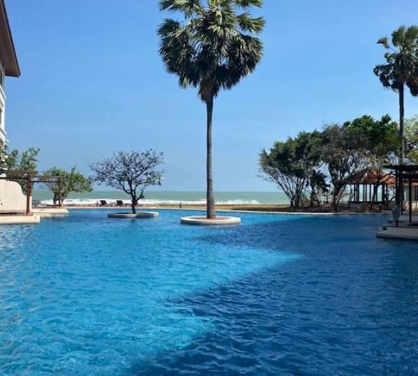 SANTI PURA RESIDENCES : Luxury 4 or 5 bed Beachfront Condo at great price