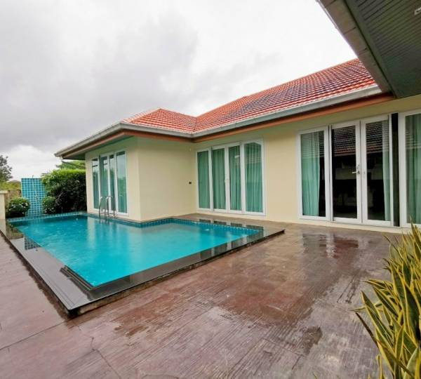 Modern 4 Bedrooms House For Sale or Rent at Whispering Palm