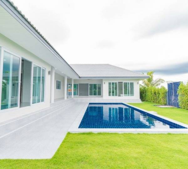 New great quality modern 4 bed pool villa