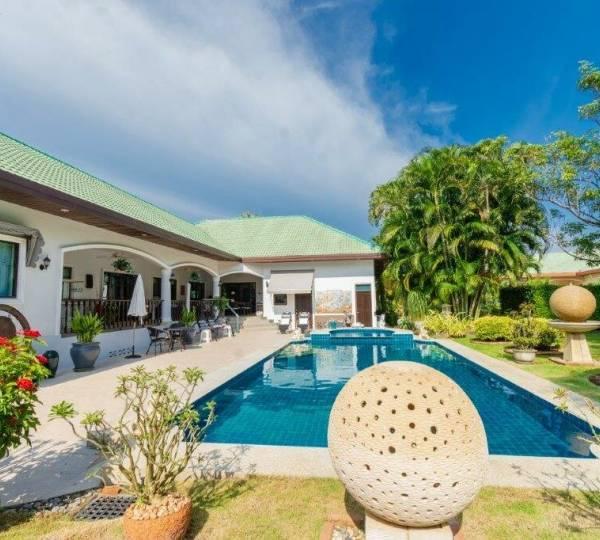 STUART PARK 2 : Nice design 5 bed pool villa on 1 rai plot