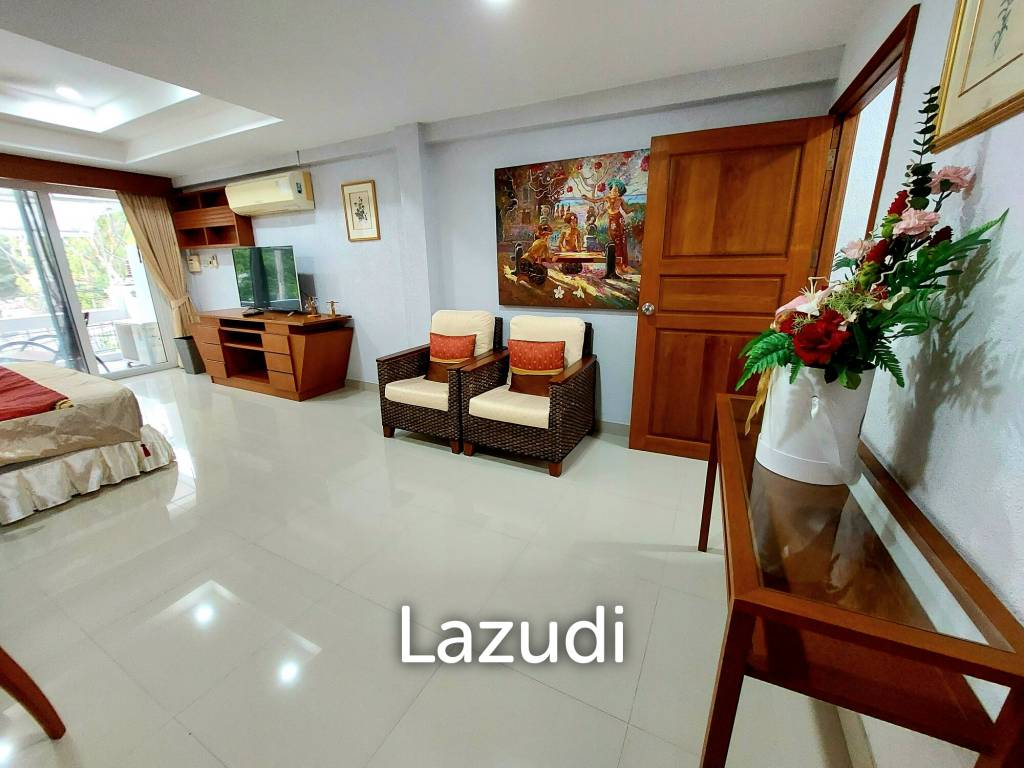 Hot Offer for a 3 Storey Lovely Townhouse in Pratamnak