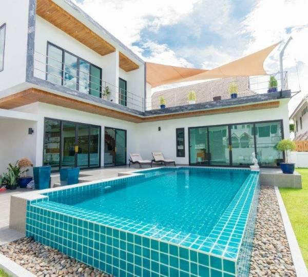 Luxury Modern 2 storey 3 bed pool villa very close to Kao Takieb Beach