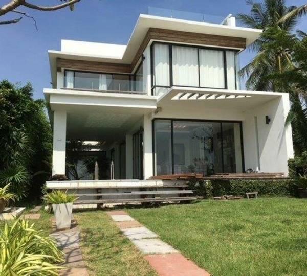 Absolute Beachfront 2 bed Pool Villa plus Maids room in Kuri Buri