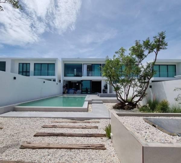 Beachfront Modern 4 bed pool villa