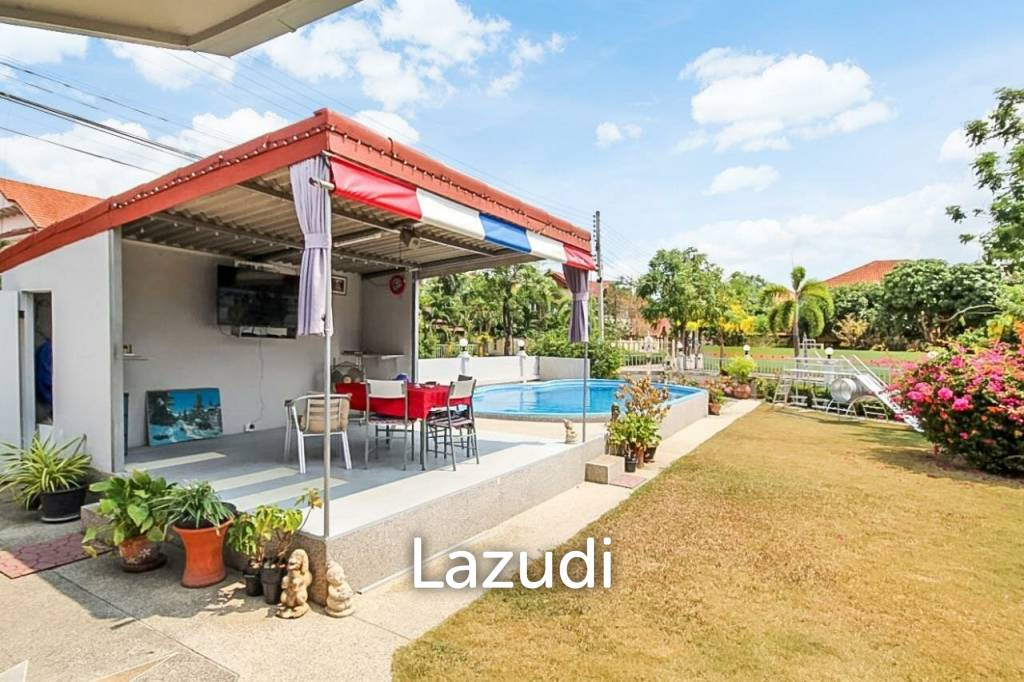 Great Deal! House with cafe  for sale in Bangsaray