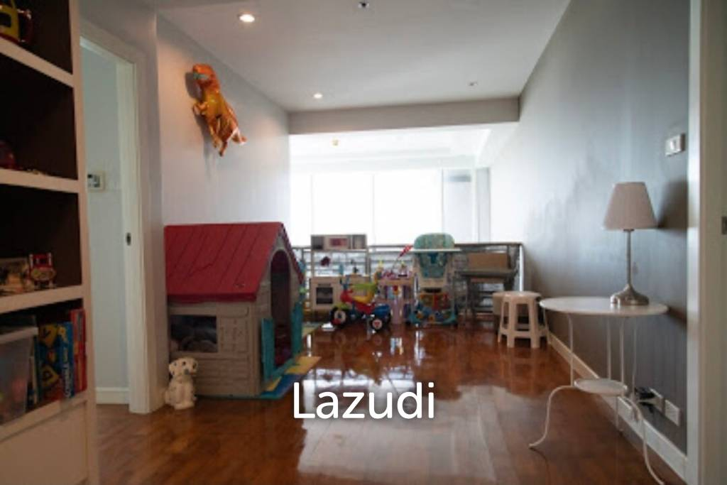 Duplex penthouse Baan siri24  !!  Very nice unit